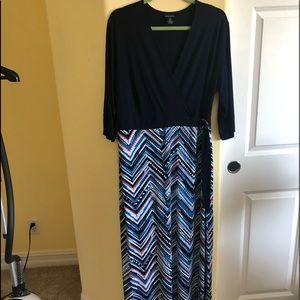Enfocus 2X Navy Zigzag Maxi Dress built on belt